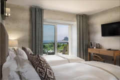 Blissful-Bay-room-as-twin-with-view-to-Mount